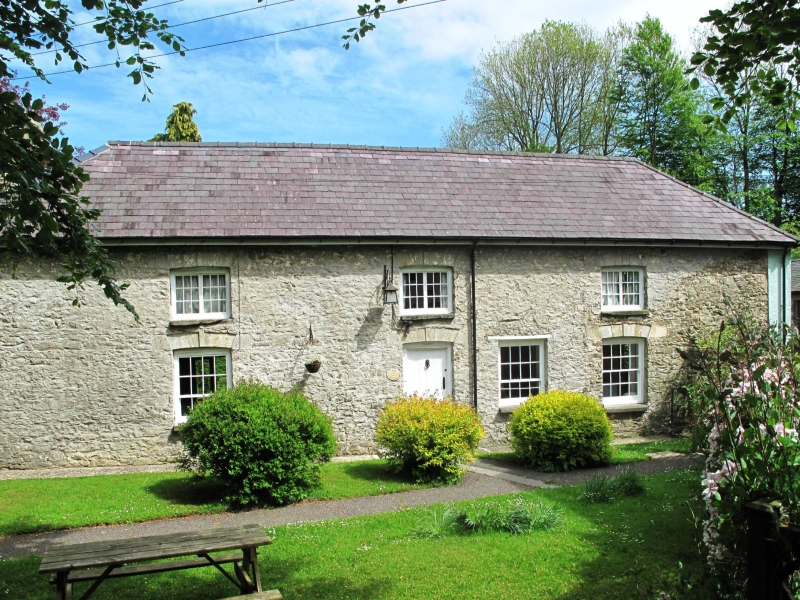Longhouse holiday cottage west wales